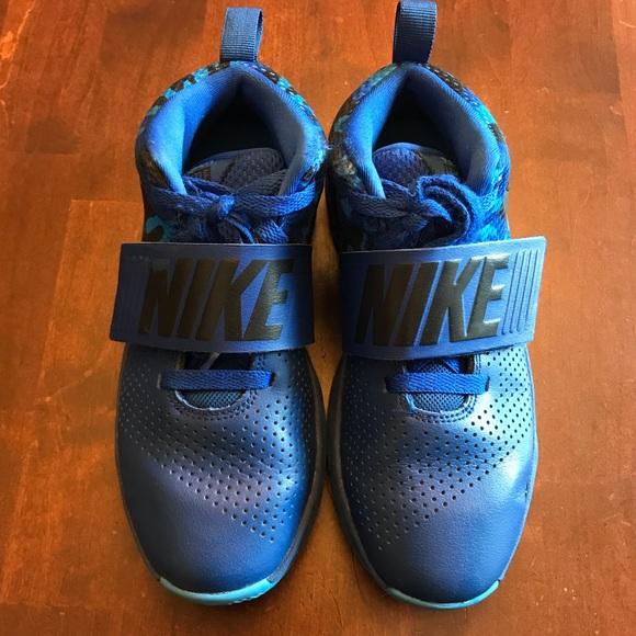Boys Size 45 Bluecamo Team Hustle D8